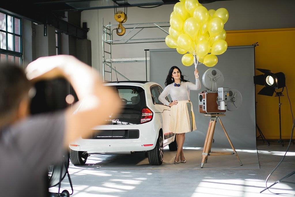 01-sistermag-renault-Renault-Twingo-Disi-Couture-Edisa-Shahini