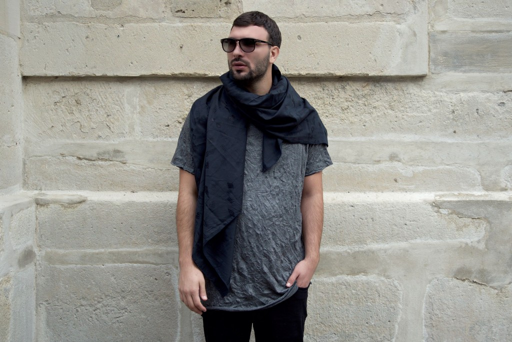 05-Ledri-Vula-Yllka-Brada-Edisa-Shahini-Photography-shirt-grey-black-skarf