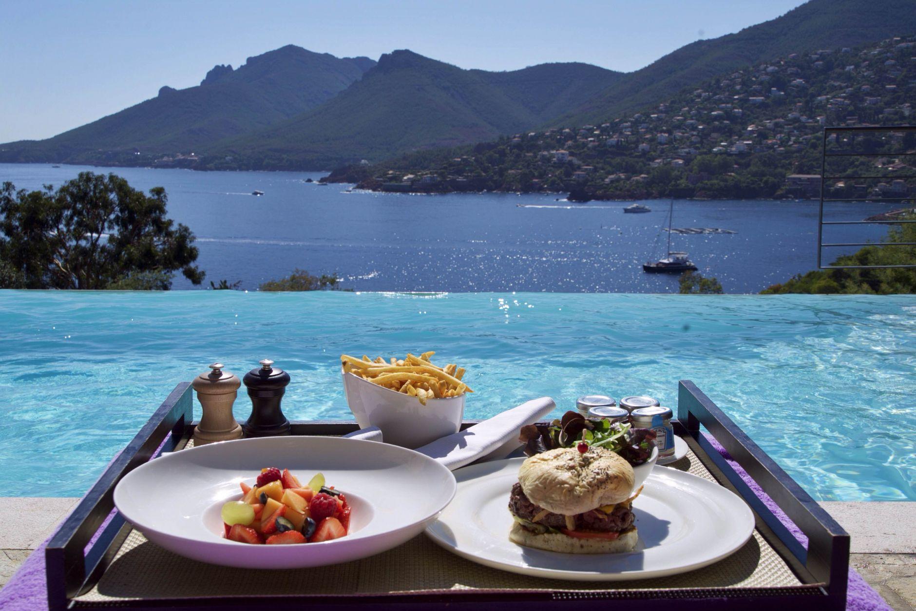 14-travel-lifestyle-hotel-tiara-yaktsa-cote-dazur-disi-couture