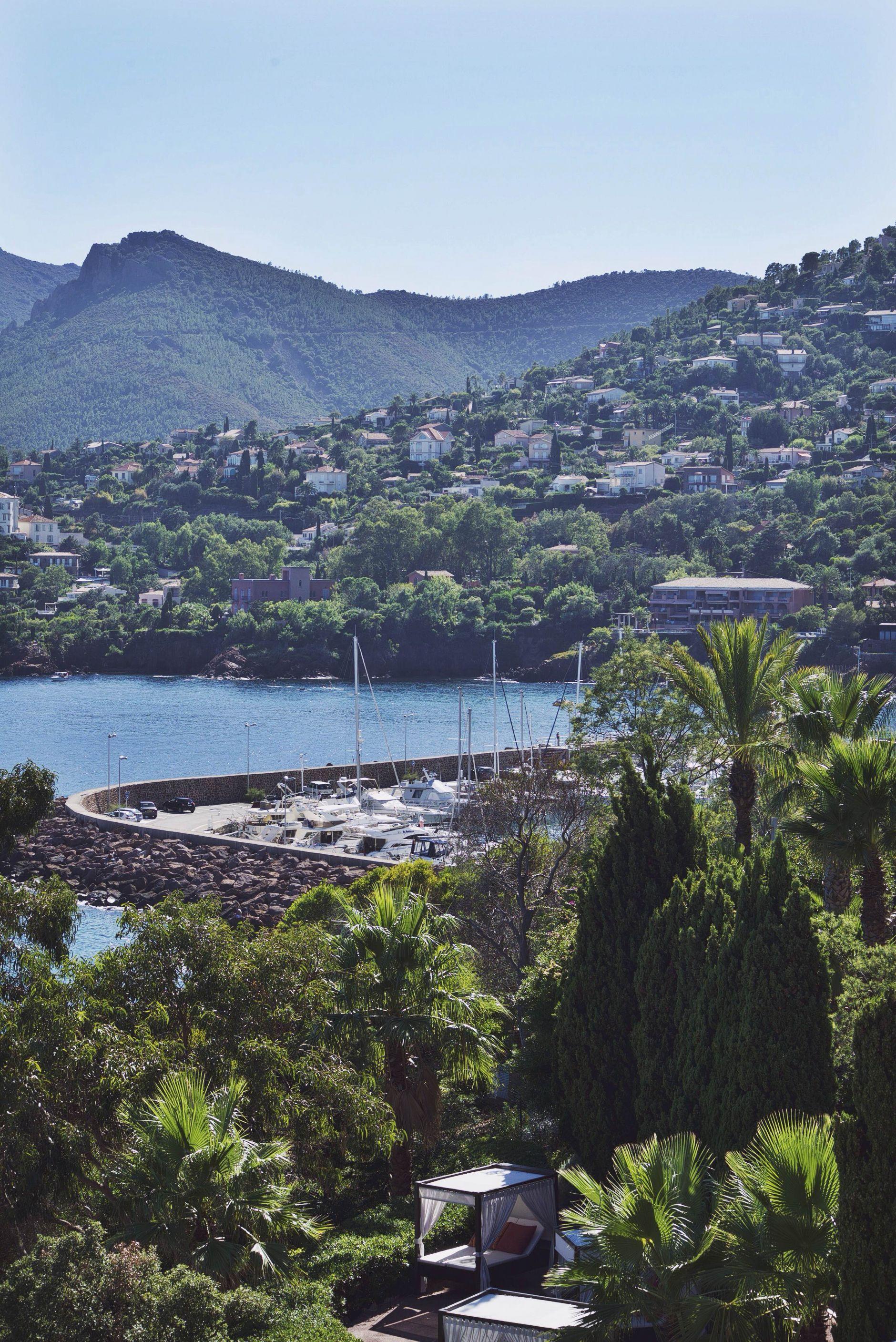 16-Tiara-Miramar-Beach-Hotel-Spa-Cote-dAzur-Disi-Couture-Edisa-Shahini-Cannes-France