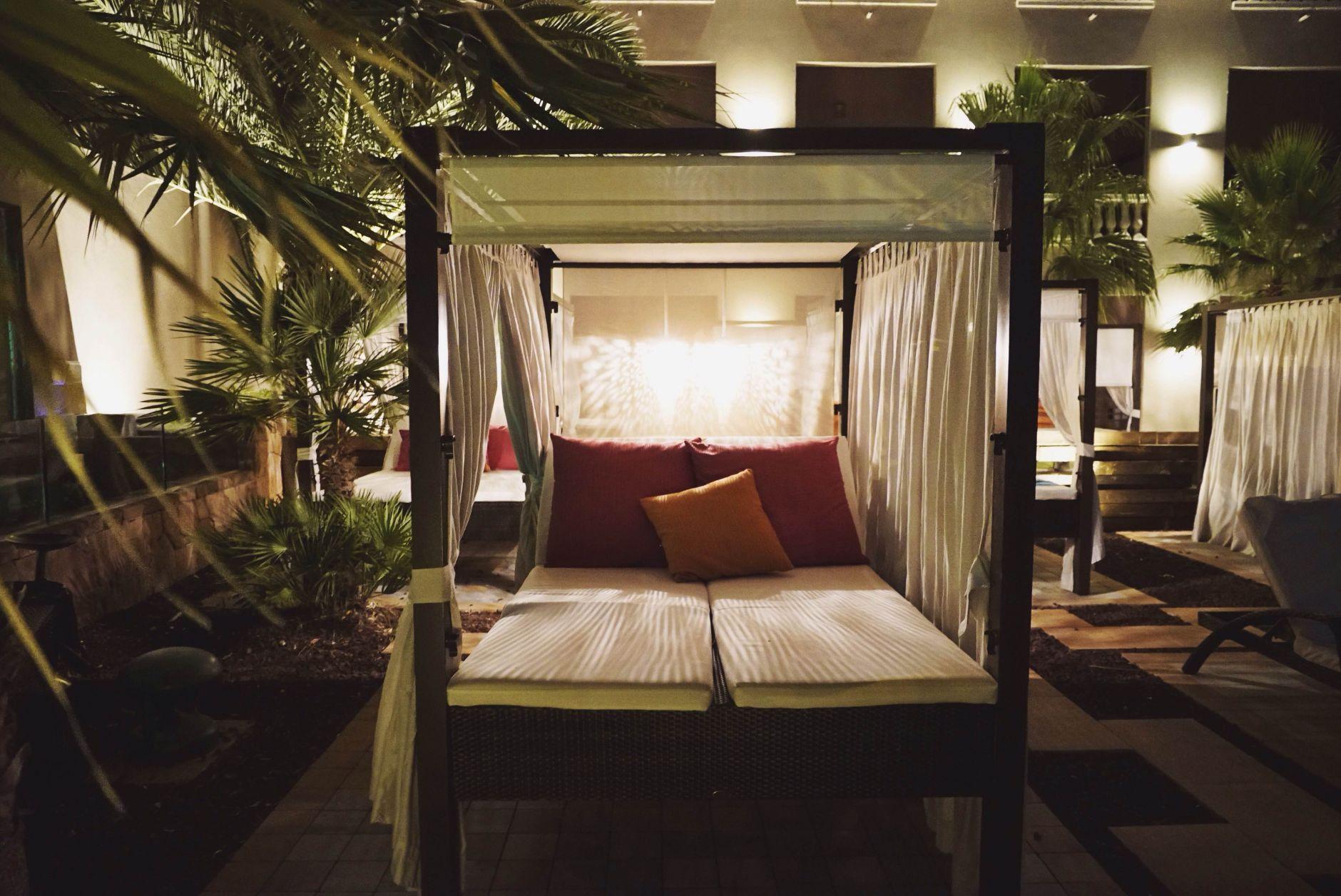 20-Tiara-Miramar-Beach-Hotel-Spa-Cote-dAzur-Disi-Couture-Edisa-Shahini-Cannes-France
