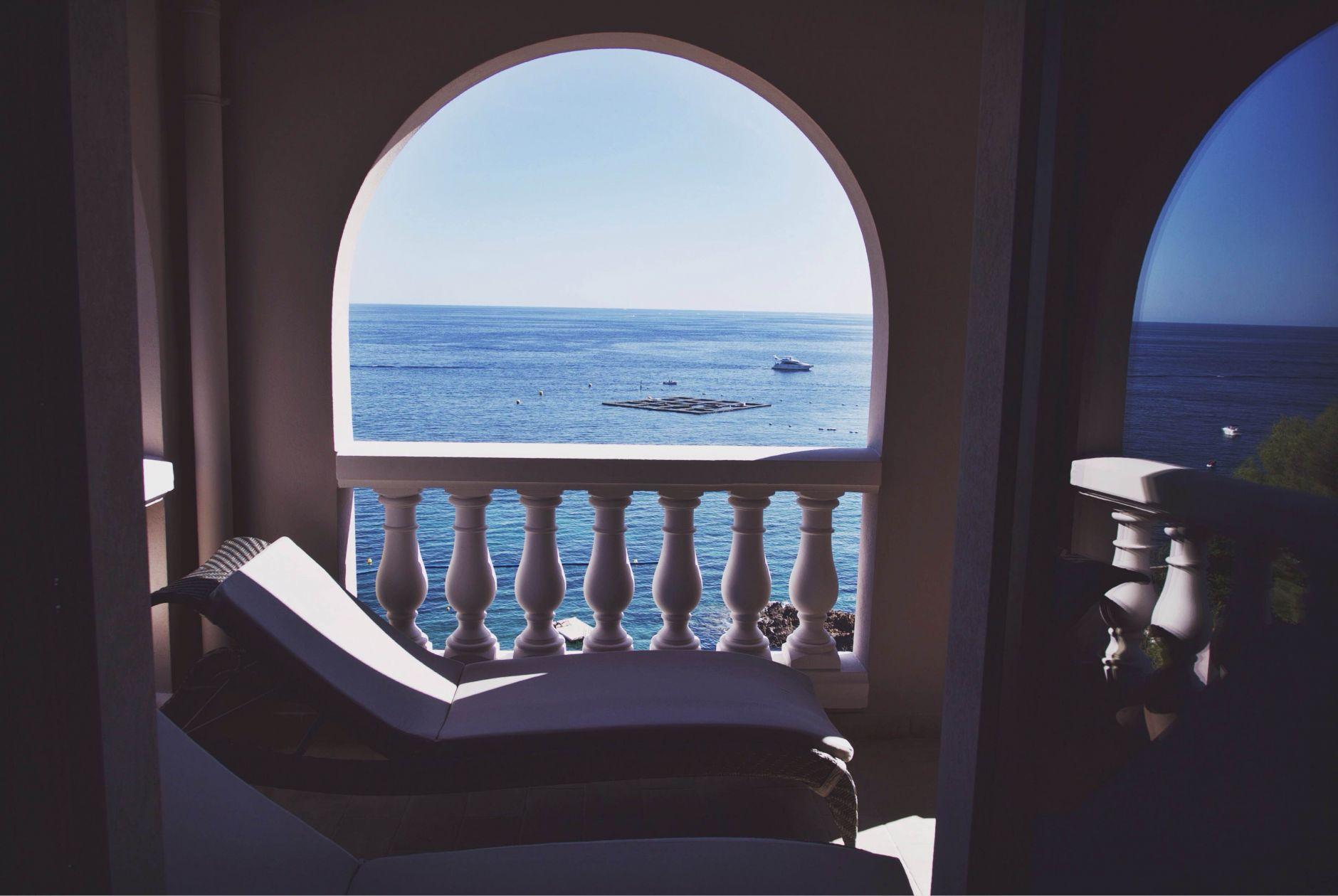 21-Tiara-Miramar-Beach-Hotel-Spa-Cote-dAzur-Disi-Couture-Edisa-Shahini-Cannes-France