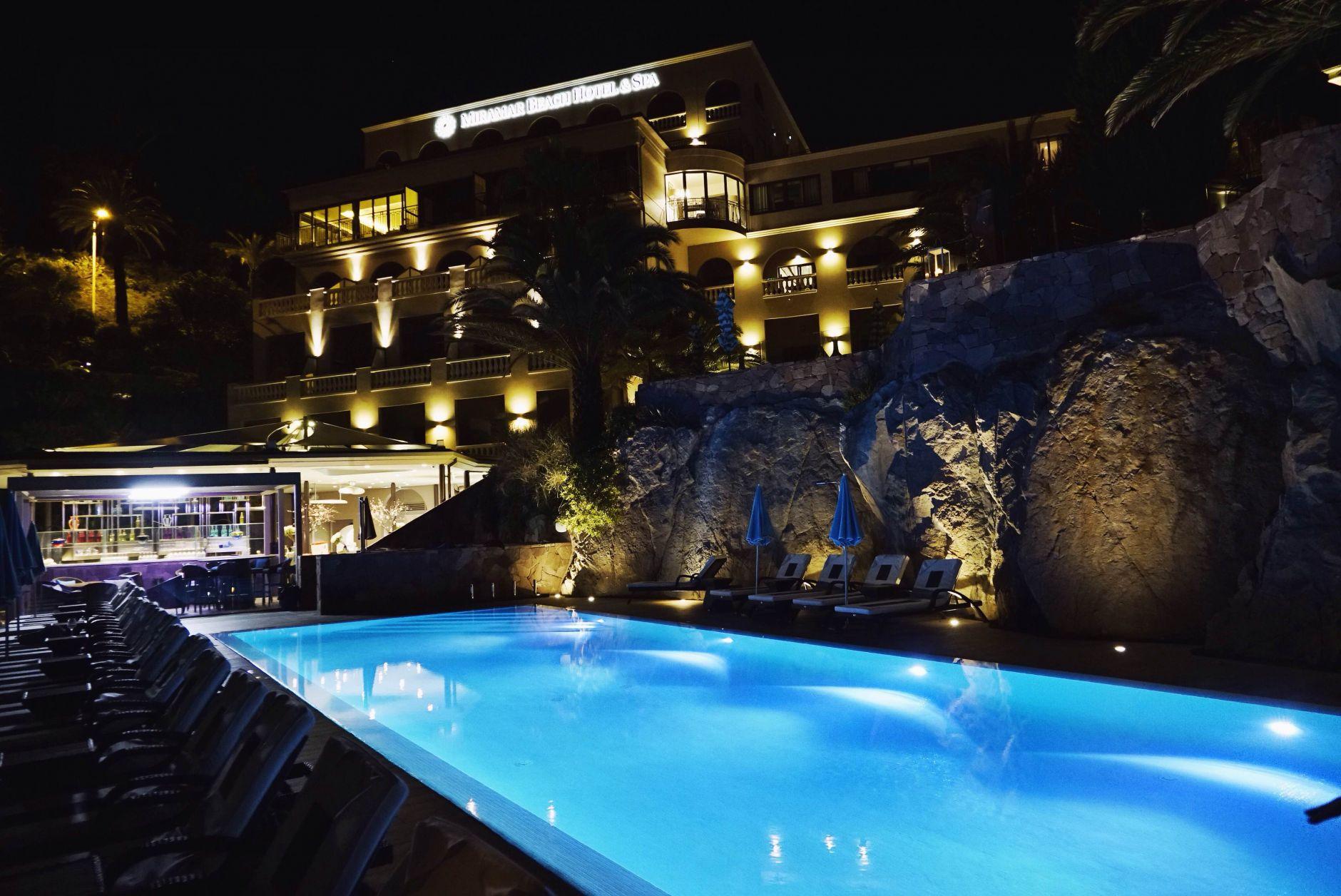 22-Tiara-Miramar-Beach-Hotel-Spa-Cote-dAzur-Disi-Couture-Edisa-Shahini-Cannes-France