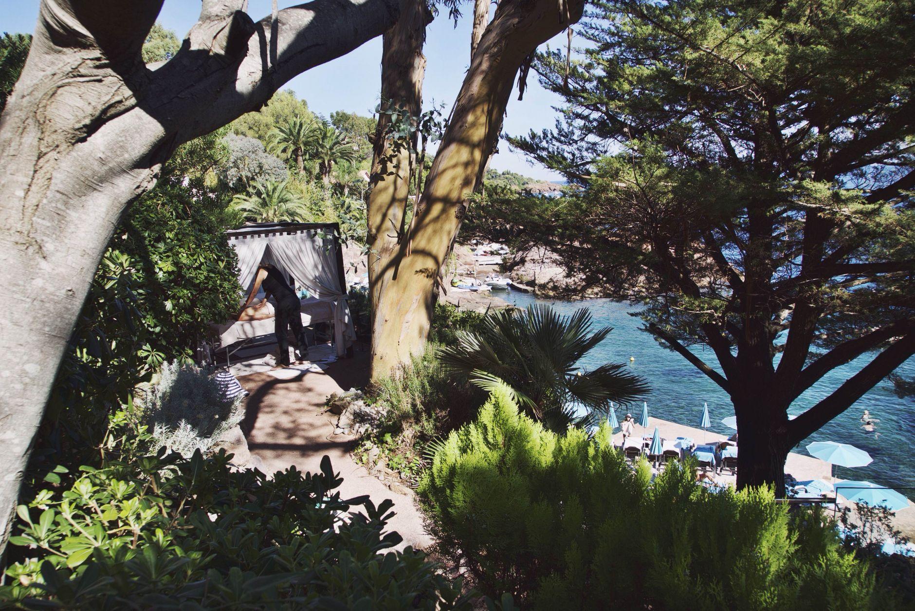 23-Tiara-Miramar-Beach-Hotel-Spa-Cote-dAzur-Disi-Couture-Edisa-Shahini-Cannes-France