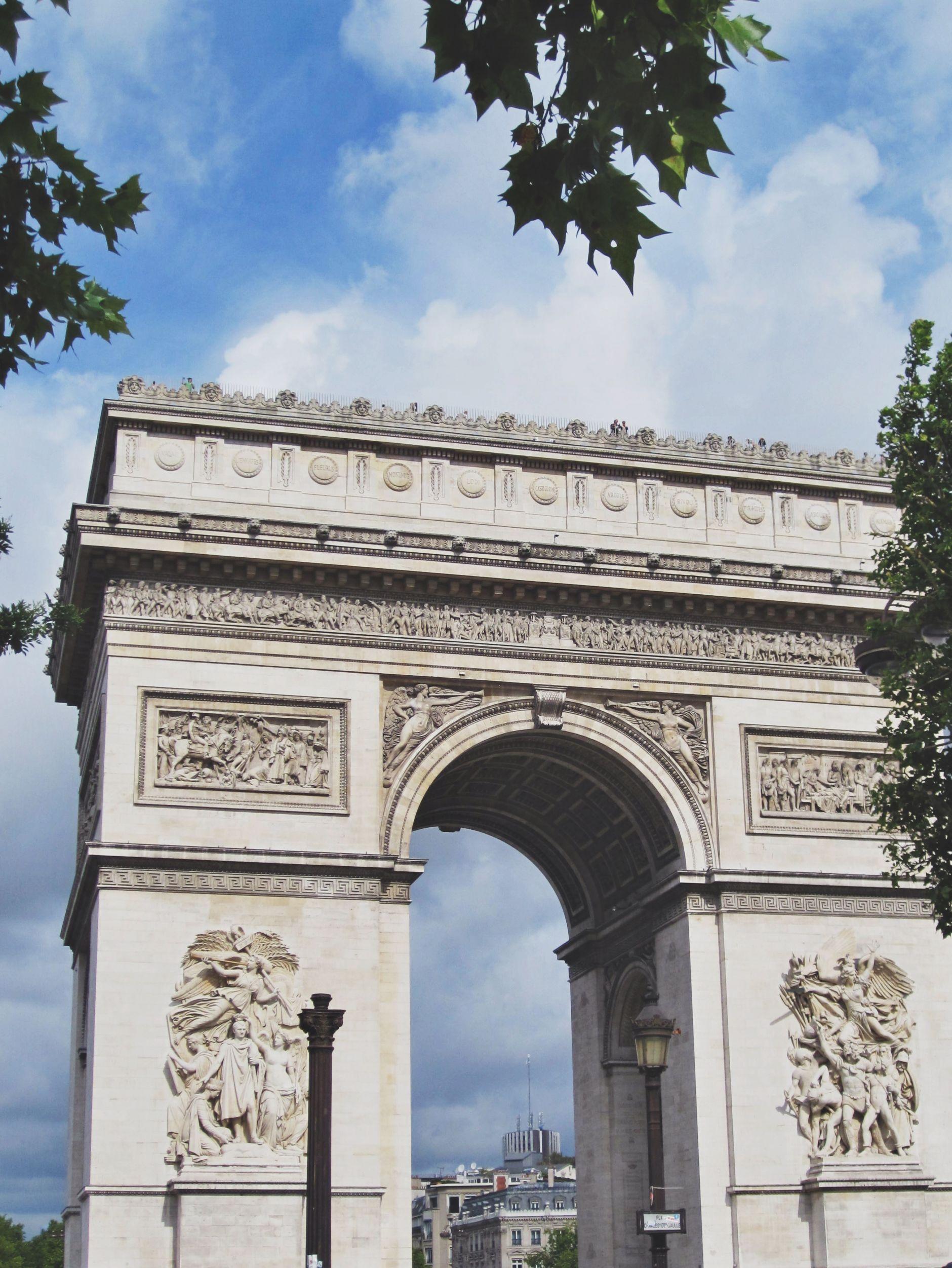 Arc-de-Triomphe-champs-elysees-paris-france-disi-couture-01