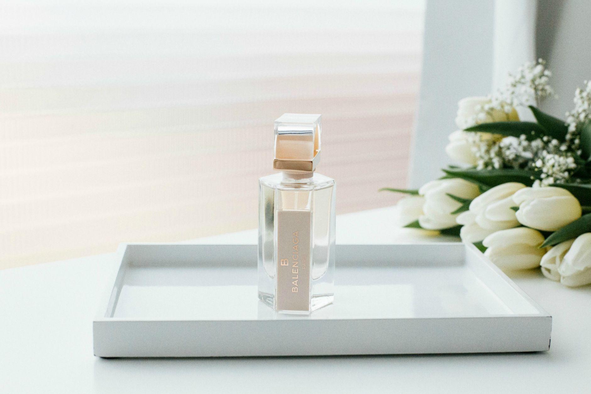 Balenciaga-Skin-Fragrance-Disi-Couture-01