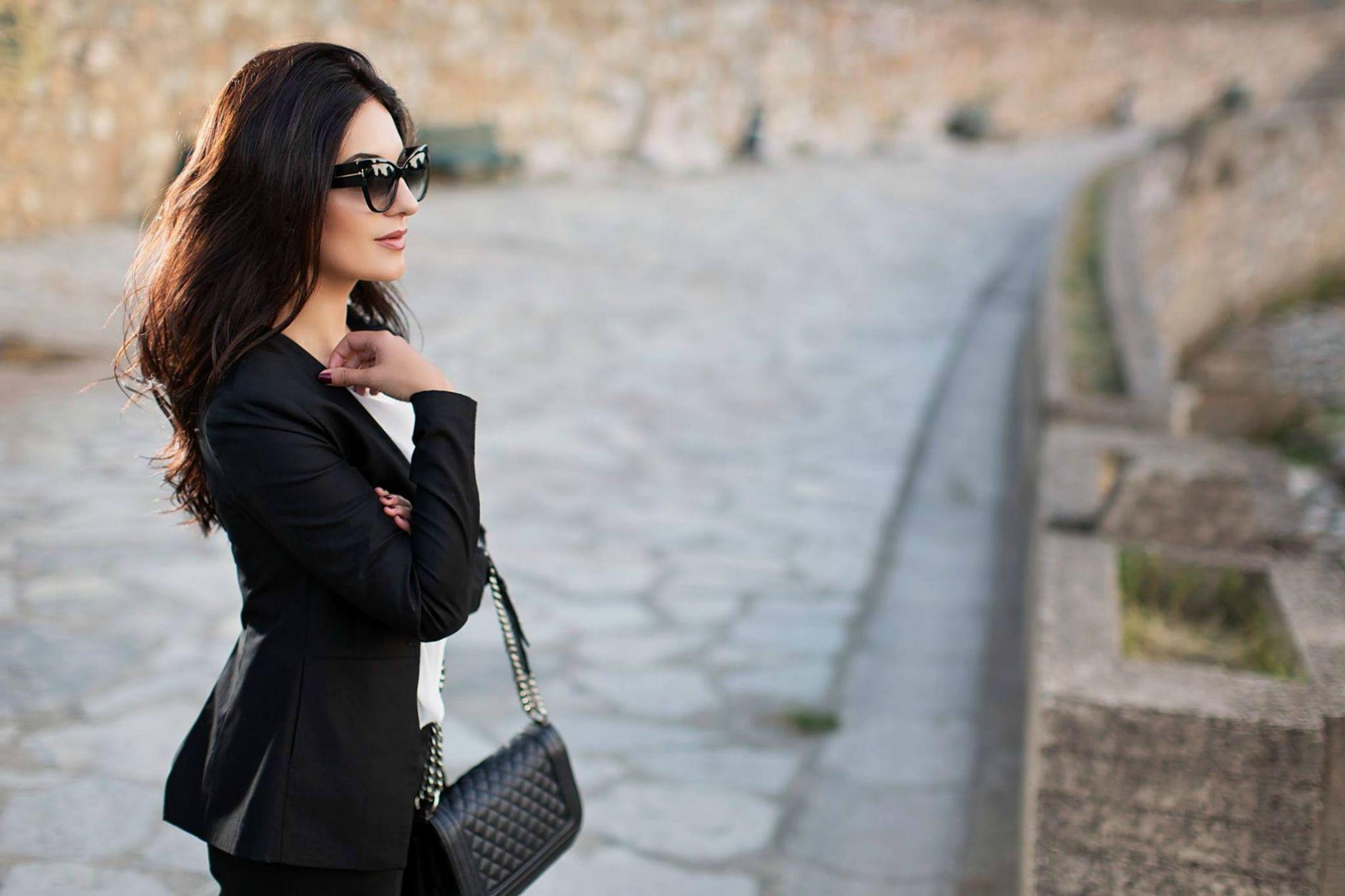 Black-Suit-Yllka-Brada-Besim-Mydyti-Edisa-Shahini-Prizren-Aug-2015-01