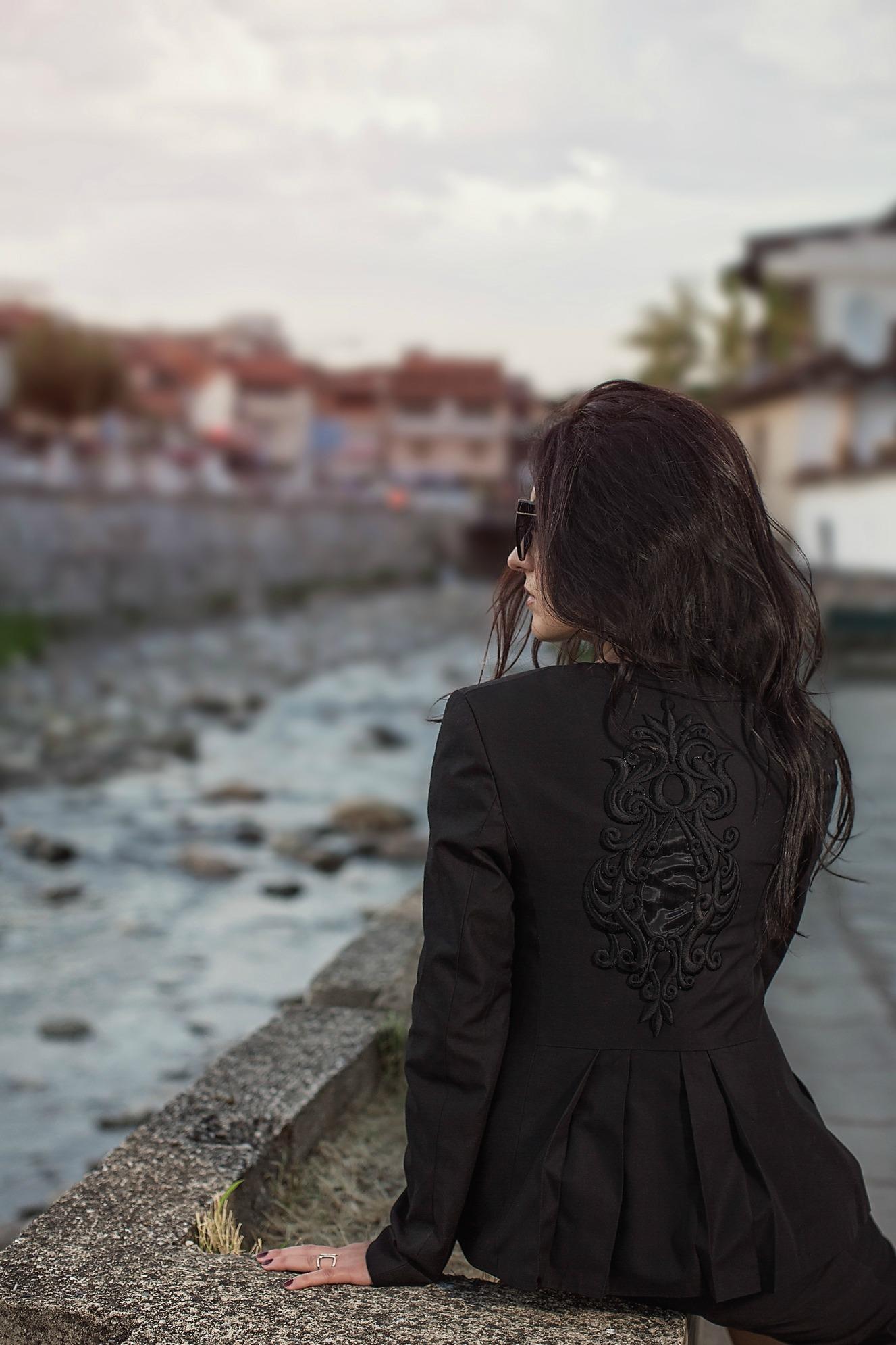 Black-Suit-Yllka-Brada-Besim-Mydyti-Edisa-Shahini-Prizren-Aug-2015-08
