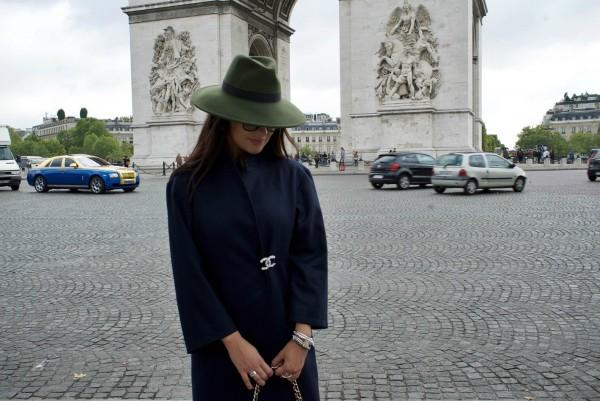 Champs-Élysées-Charles-de-Gaulle-Paris-September-Chanel-Yllka-Brada-Disi-Couture-03