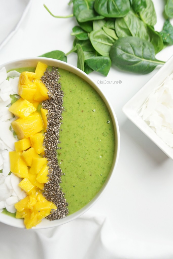 ENERGIZING-MATCHA-GREEN-TEA-SMOOTHIE-BOWL-RINGANA-MANGO-COCONUT-CHIA-SEEDS-SPINACH-04