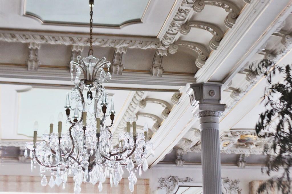 Kempinski-Grand-Hotel-des-Bains-St-Moritz-Lobby-Bar-150-Engadin-Top-Of-The-World-Luxury-Season-Opening-Ski-2015-Disi-Couture-032873728wqw87