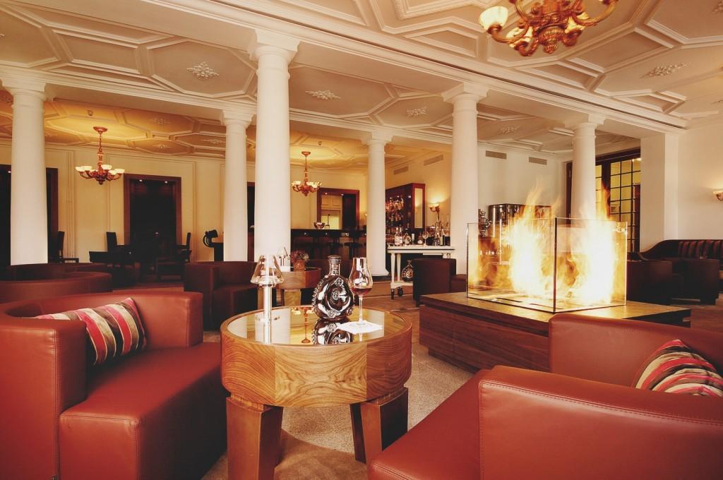 Kempinski-Grand-Hotel-des-Bains-St-Moritz-Lobby-Bar-150-Engadin-Top-Of-The-World-Luxury-Season-Opening-Ski-2015-Disi-Couture-03909