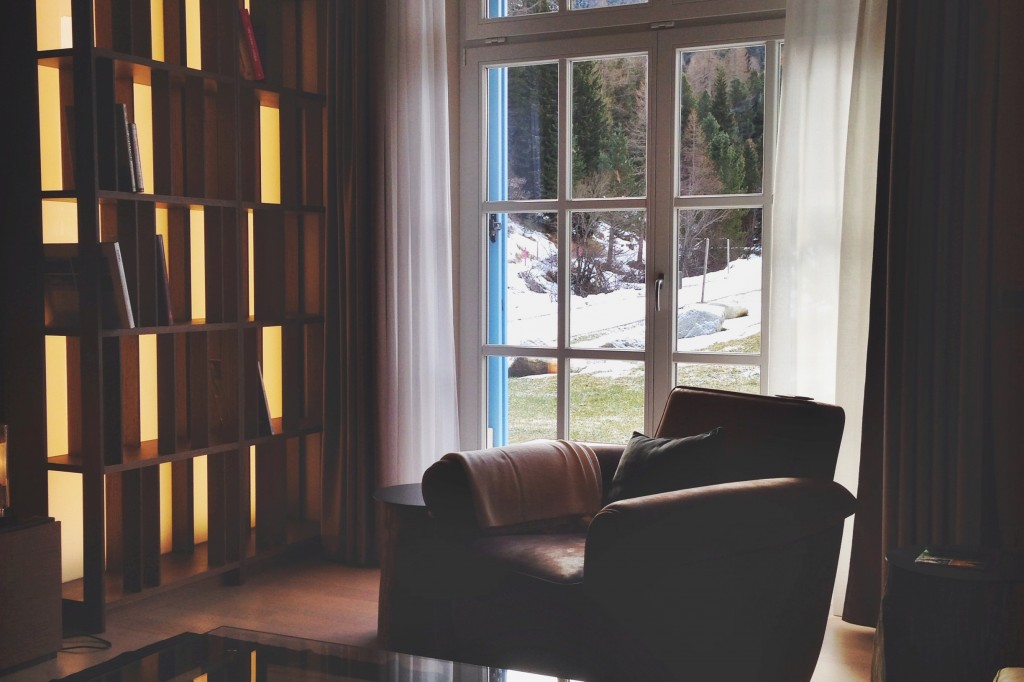 Kempinski-Grand-Hotel-des-Bains-St-Moritz-Lobby-Bar-150-Engadin-Top-Of-The-World-Luxury-Season-Opening-Ski-2015-Disi-Couture-la-perla-Piz-Vadret-Residence-01