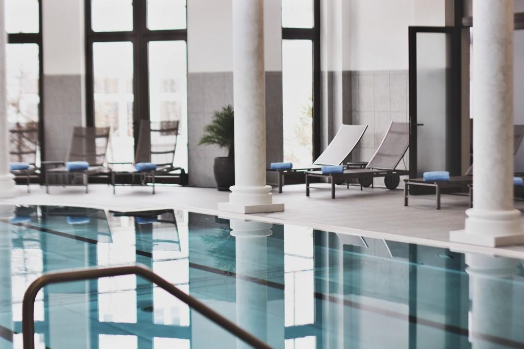 Kempinski-Grand-Hotel-des-Bains-St-Moritz-Lobby-Bar-150-Engadin-Top-Of-The-World-Luxury-Season-Opening-Ski-2015-Disi-Couture-la-perla-SPA-01139