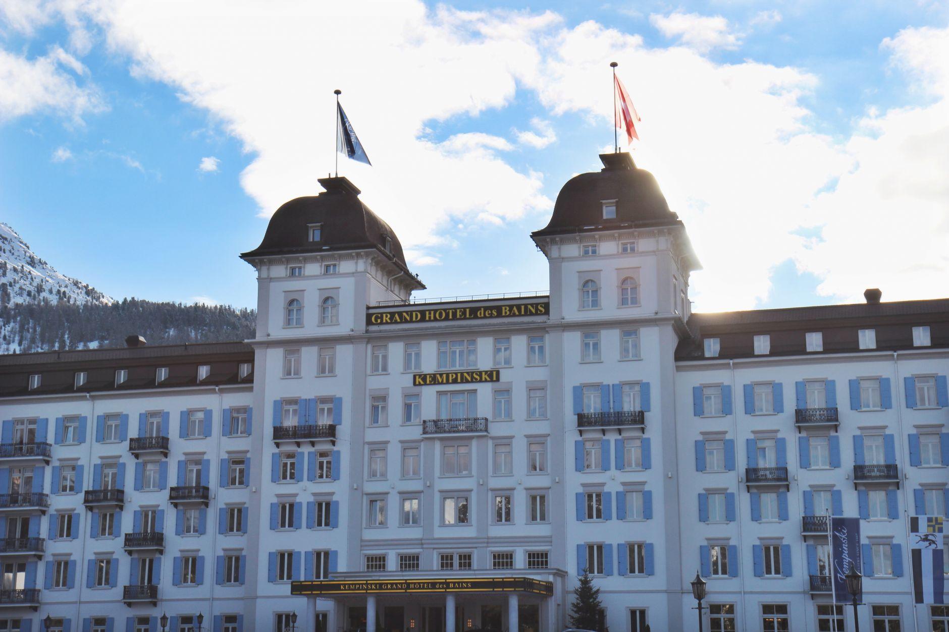 Styleguide tv goes st moritz kempinski grand h tel des for Hotel des grands bains