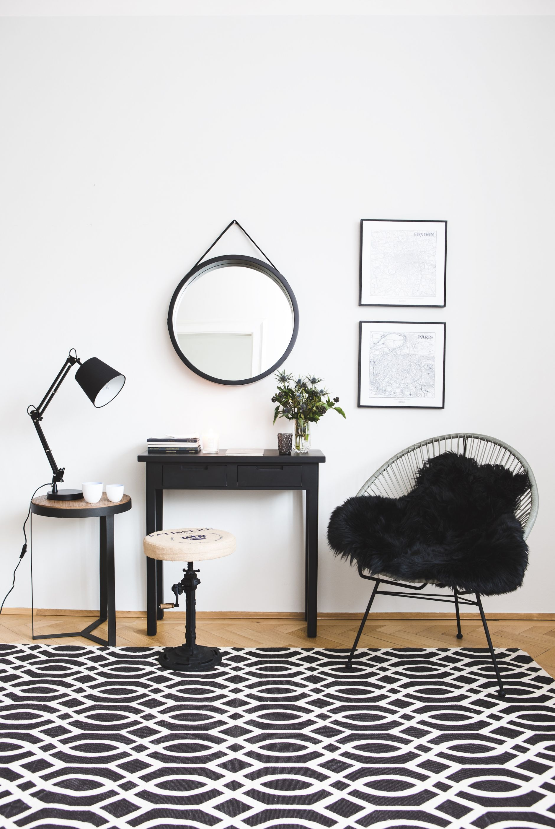BLACK AND WHITE CONTEMPORARY HOME DECORATION - DISI COUTUREDISI COUTURE