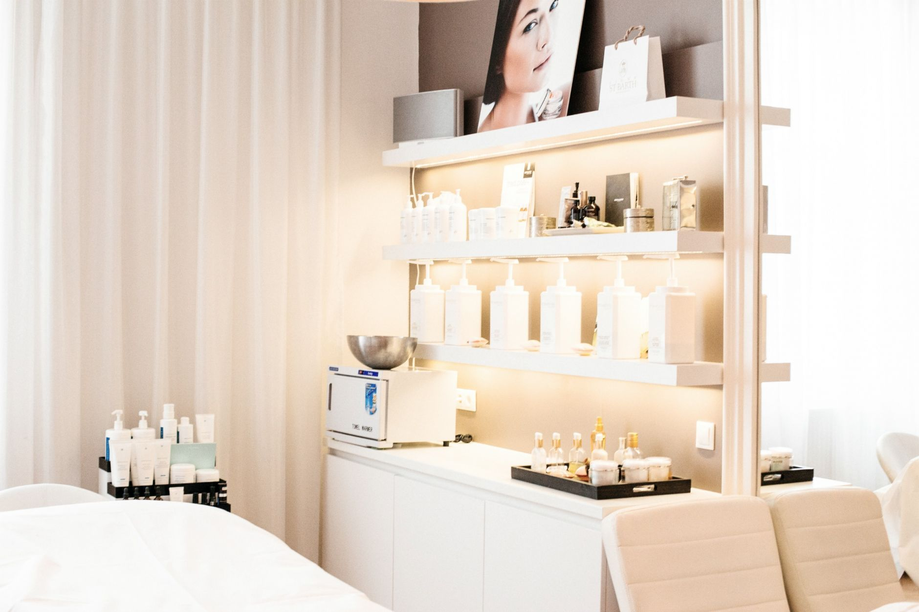 Moser-Milani-Medical-Spa-Wien-Beauty-Vienna-Beauty-Clinic-SkinCeuticals-Disi-Couture