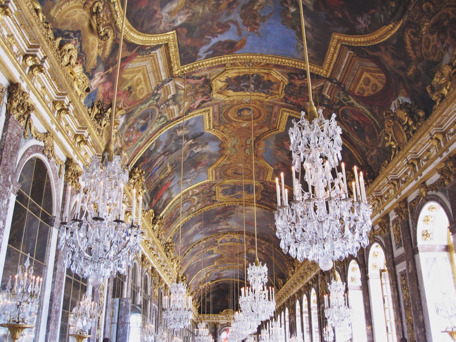 The-Mirror-Hall-at-Château-de-Versailles-Paris-Disic-Couture-01922