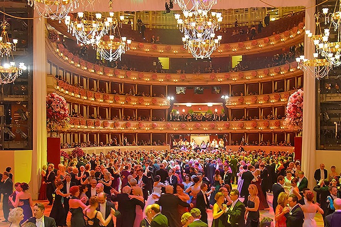 Vienna-Opera-Ball-2014-Opernball-Ceremony-01.jpg.jpg