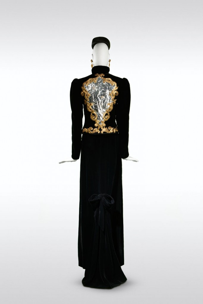 Yves_Saint_Laurent_Style_Is_Eternal_Exhibition_Bowes_Museum_uk_Disi_Couture_10
