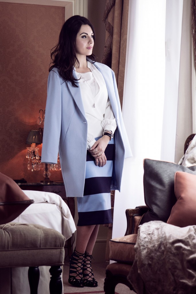 blue-white-madeleine-myns-disi-couture-grand-hotel-wien-2015-01
