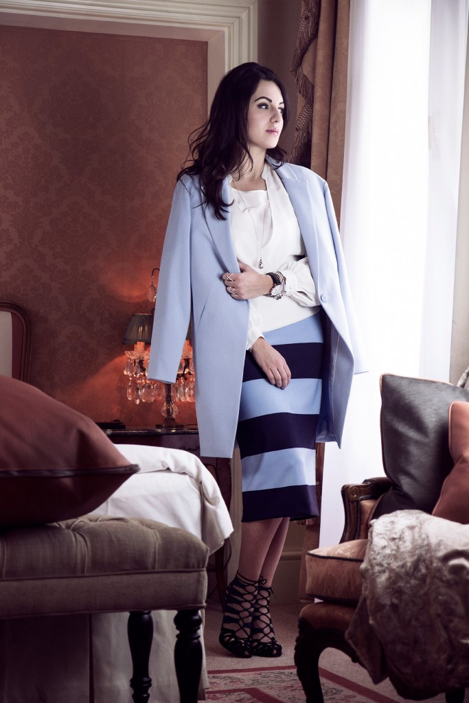 blue-white-madeleine-myns-disi-couture-grand-hotel-wien-2015-02