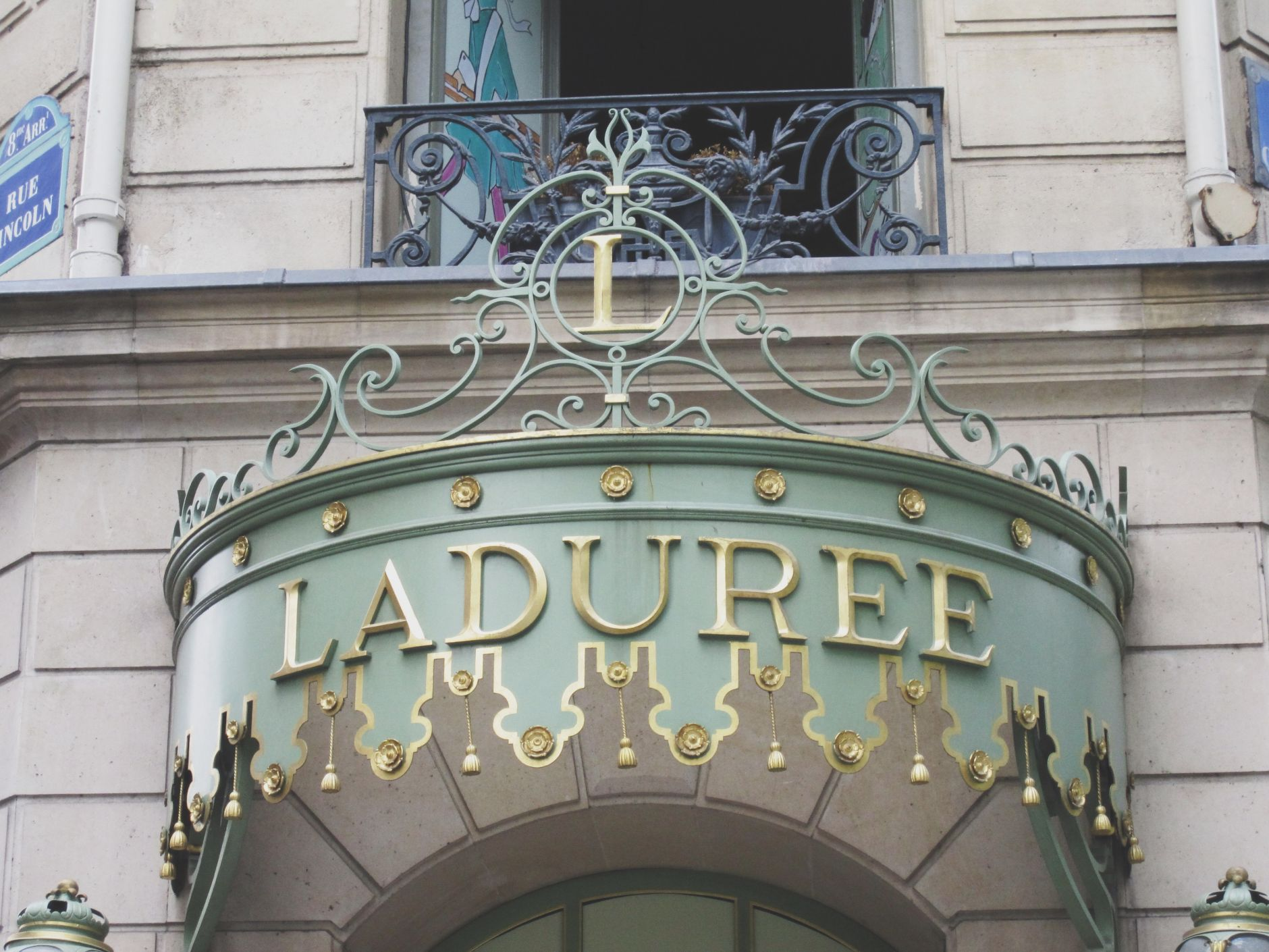champs-élysées-paris-france-laduree-disi-couture-01