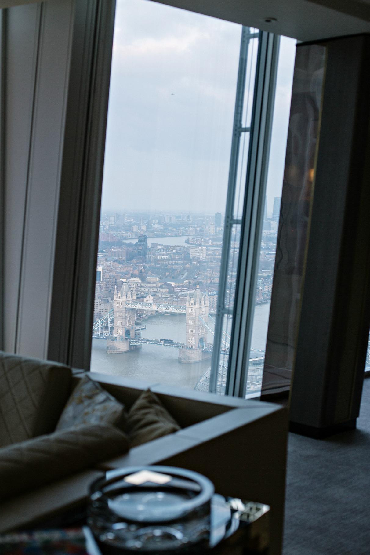 disi-couture-travel-shangri-la-hotel-shard-london-tower-bridge-england-edisa-shahini-03