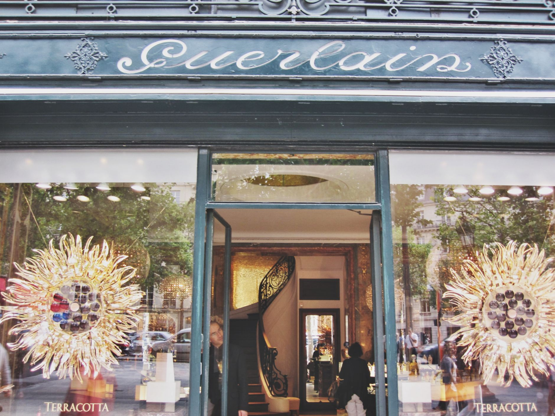 la maison guerlain - boutique-68-avenue-des-champs-elysees-disi-couture