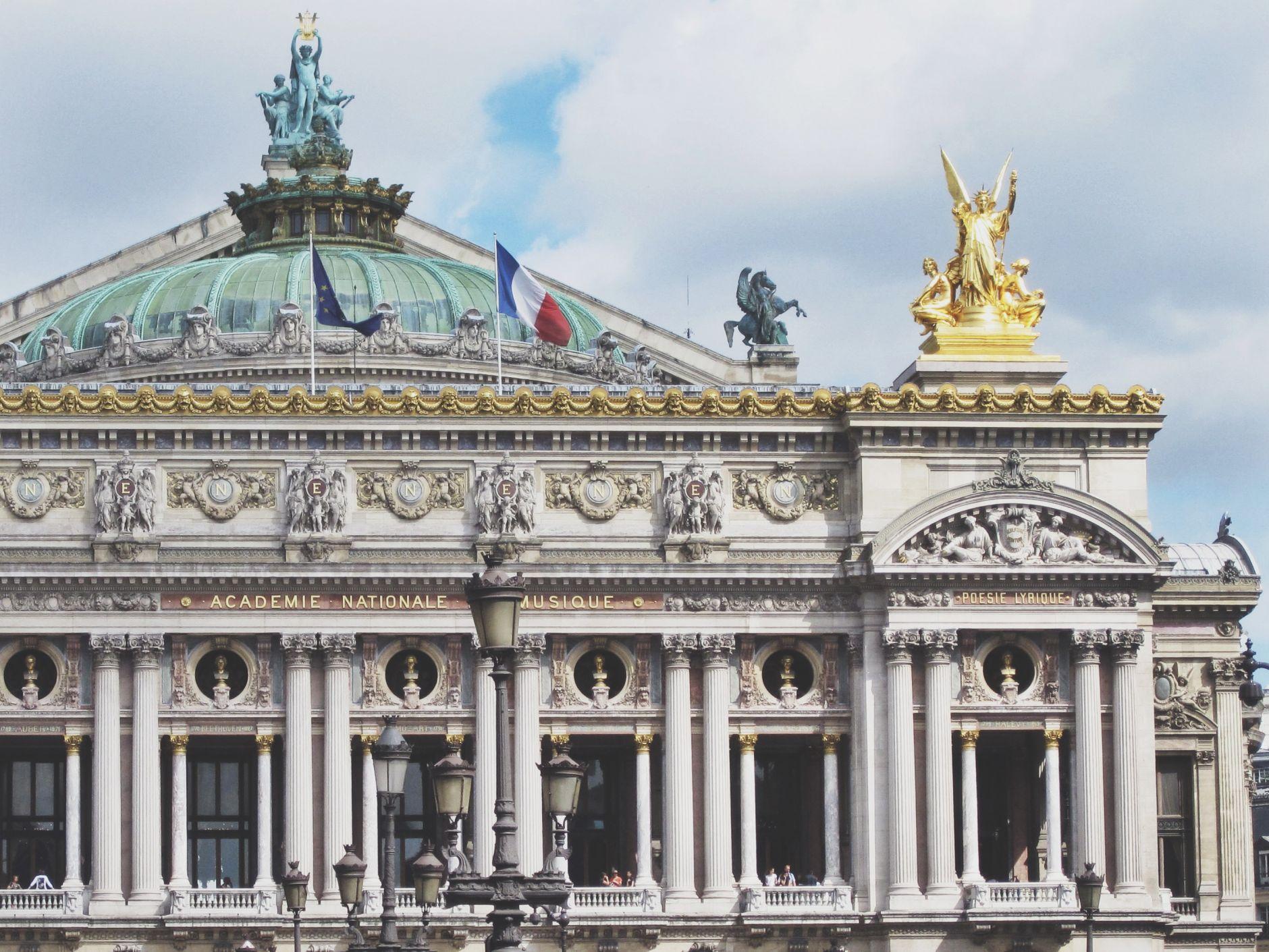 opera-house-paris-lafayette-shopping-disi-couture-01