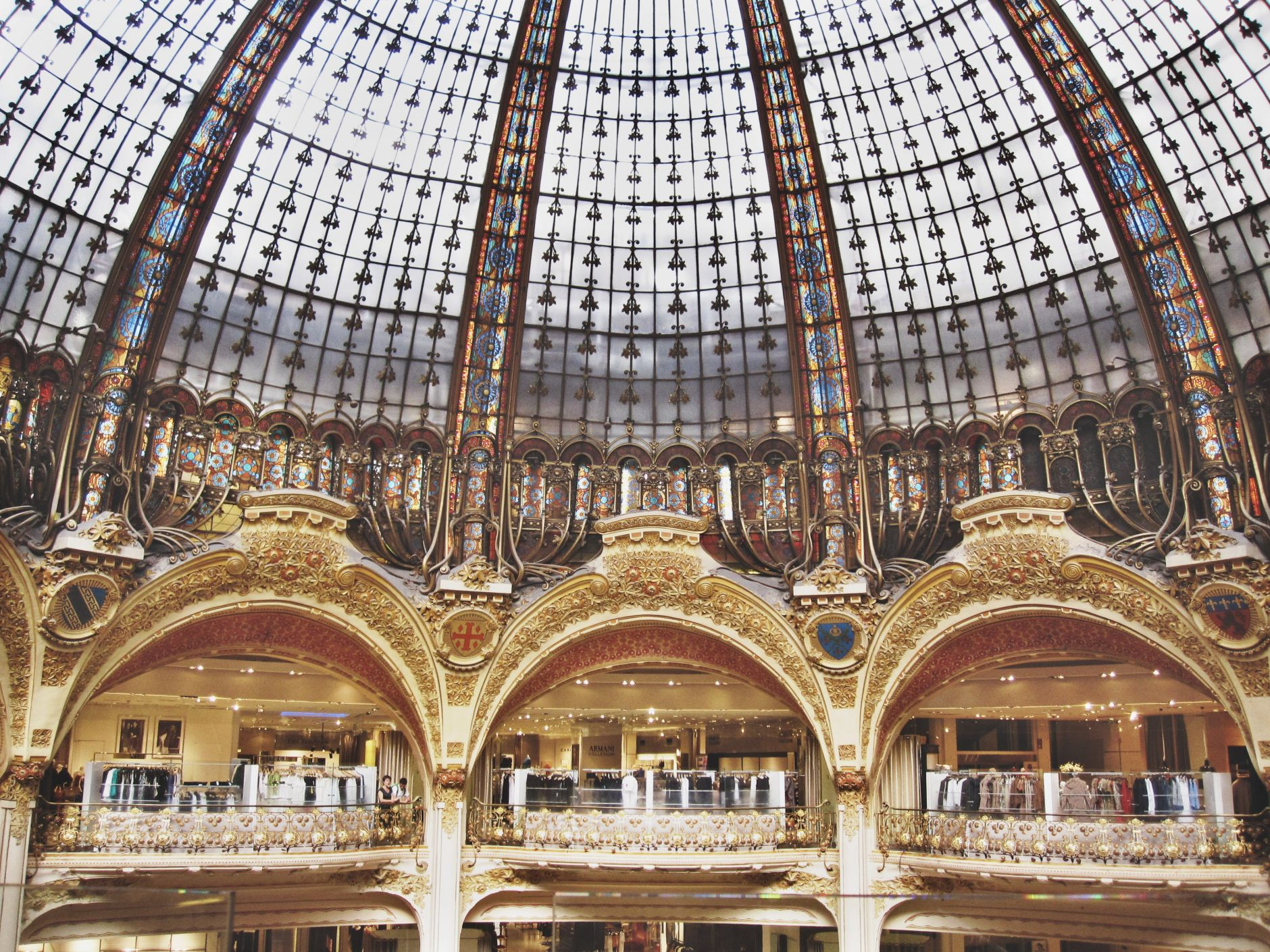 opera-house-paris-lafayette-shopping-disi-couture-04