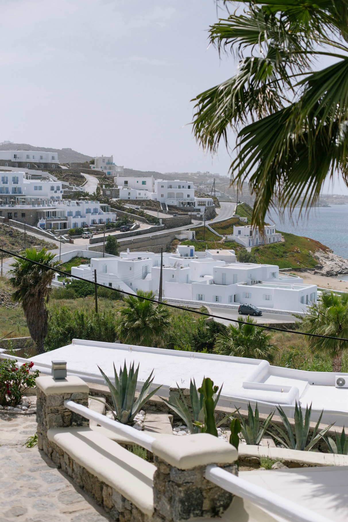 ravel-magical-hotel-bill-coo-in-mykonos-disi-couture-02