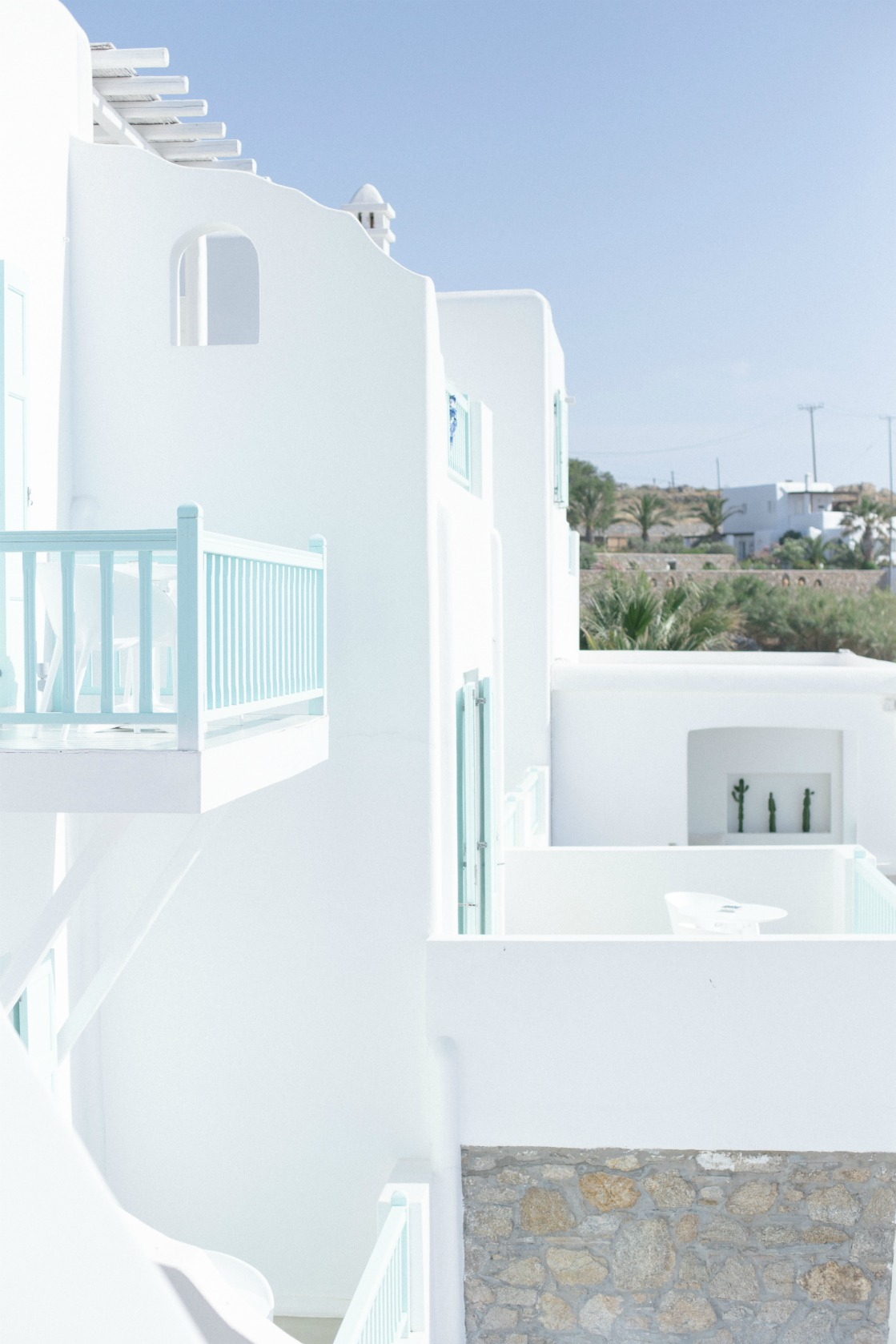 ravel-magical-hotel-bill-coo-in-mykonos-disi-couture-22