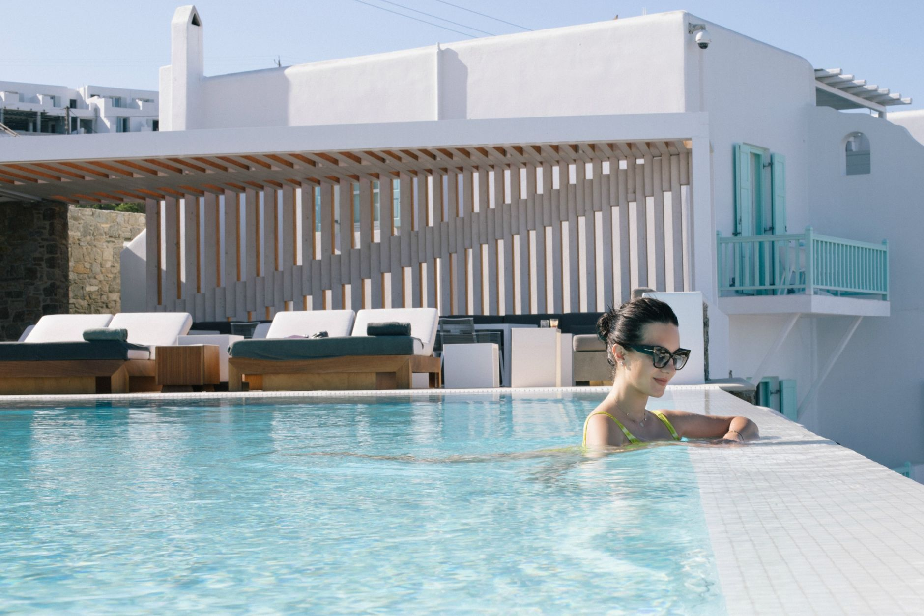 ravel-magical-hotel-bill-coo-in-mykonos-disi-couture-41