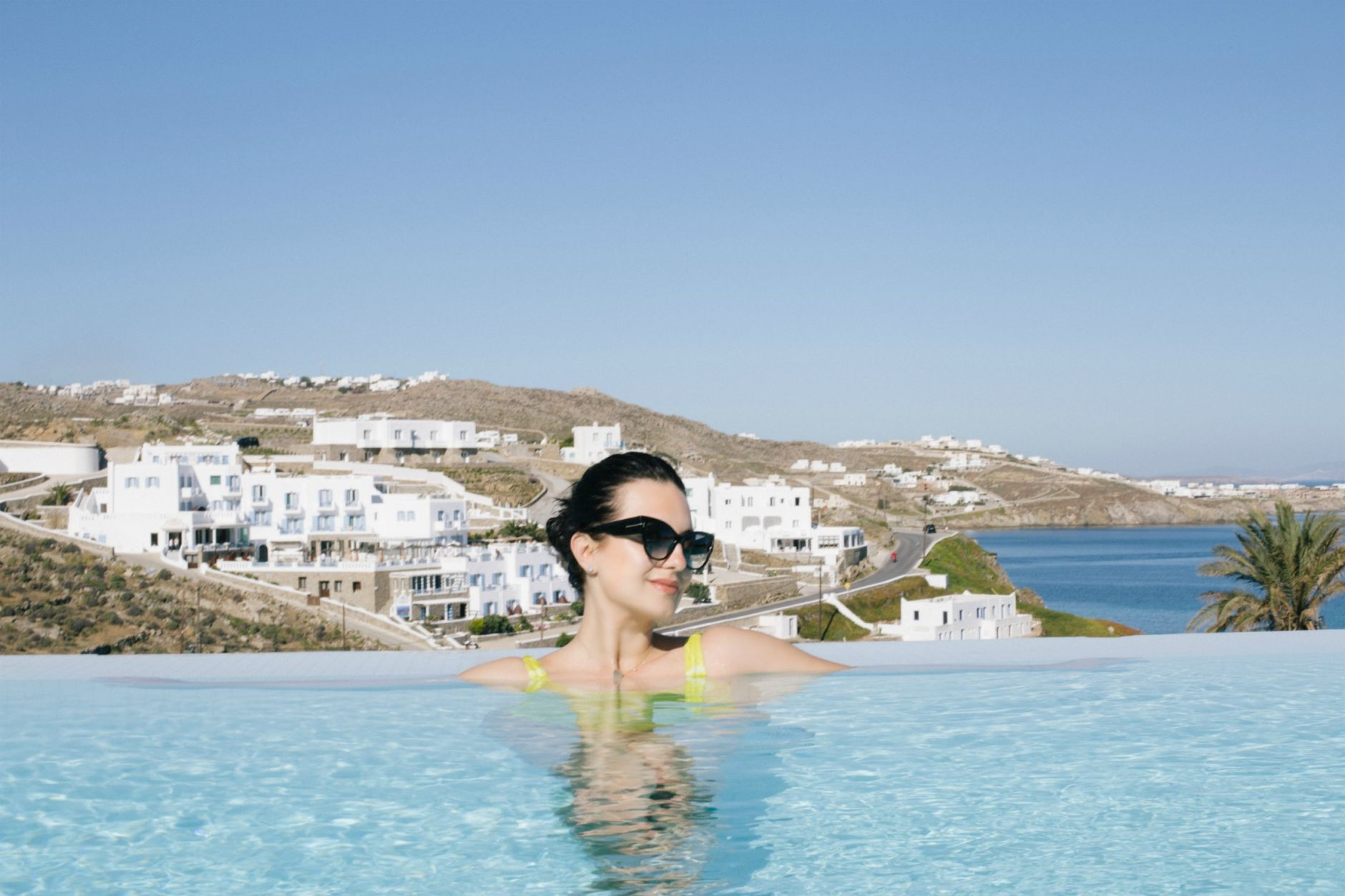 ravel-magical-hotel-bill-coo-in-mykonos-disi-couture-45